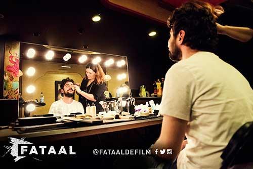 Visagiespiegel in gebruik bij de première van Fataal de film