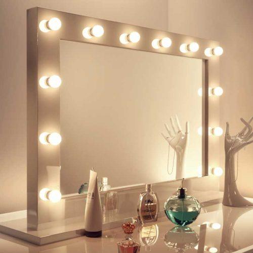 Stijlvolle brede visagie spiegel met 12 LED lampen