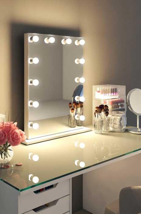 Luxe make up spiegel met dimbare lampen op voet 60x80 cm for Badkamer spiegel 60x80