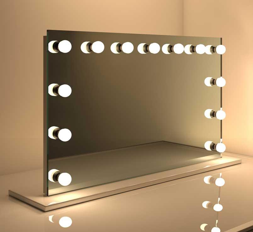 Brede make-up spiegel met prima lichtopbrengst voor op tafel