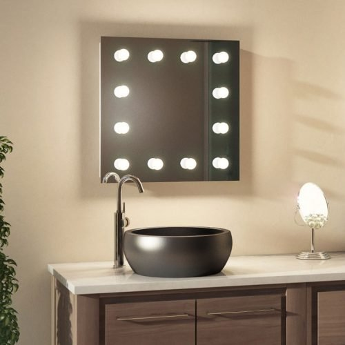 Deze make-up spiegel is geschikt voor gebruik in de badkamer