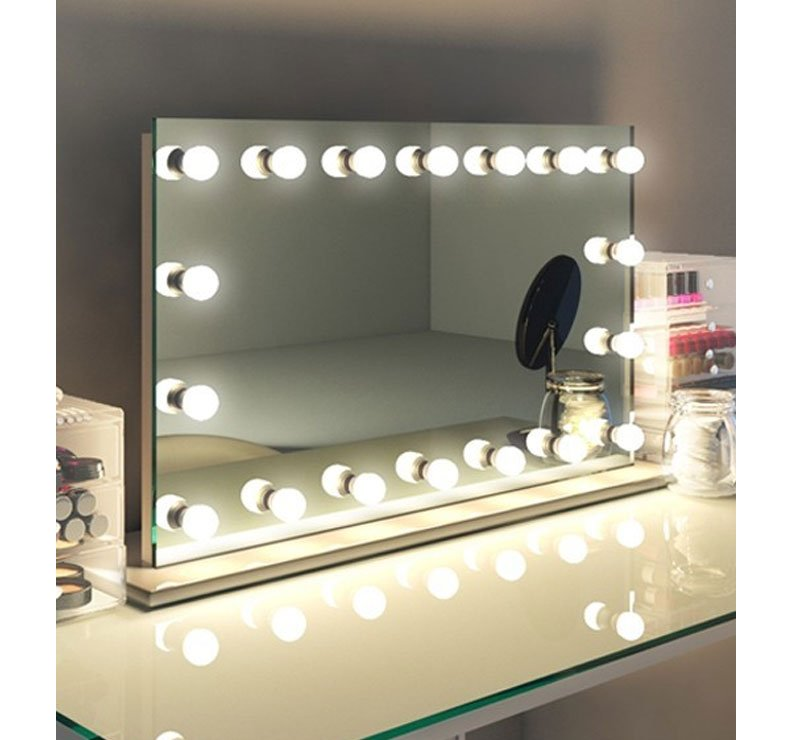Brede make-up spiegel met dimbare lampen op hoogglans witte voet