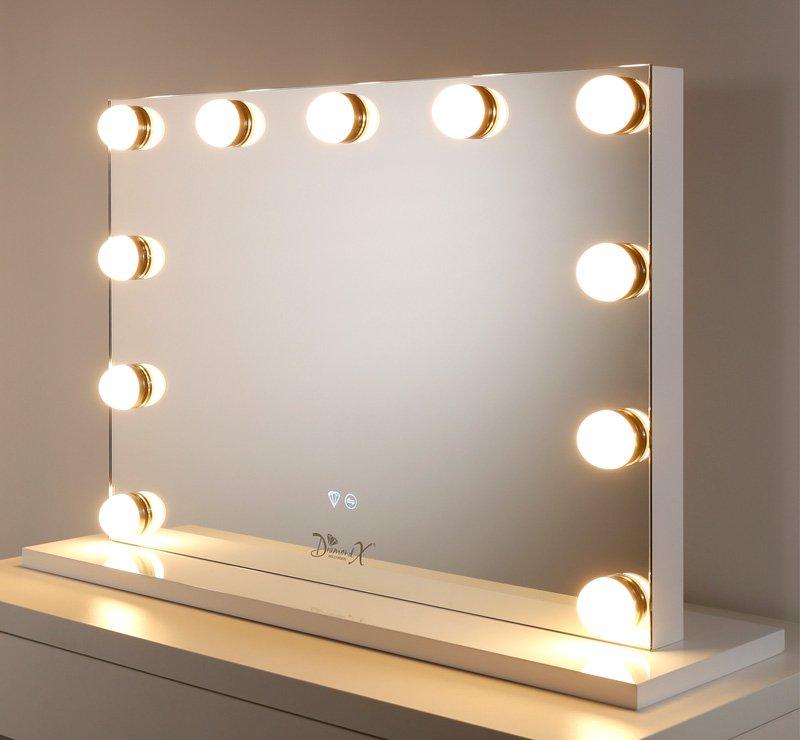Deze theater spiegel is 80 cm breed en 60 cm hoog